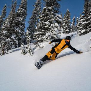 4 Pro Models for the Best Snowboarding Kit