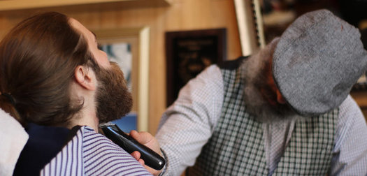 Buzzing on the Fly: Chicago barbers take a cut at the mobile life